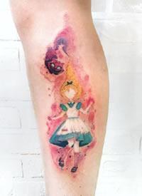 一组彩绘可爱的卡通纹身图案