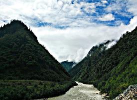 漂亮的雅鲁藏布大峡谷风景图片