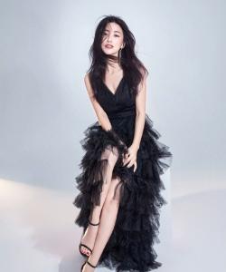 朱珠薄纱黑裙性感写真图片