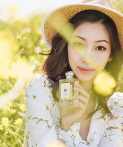温雅优雅清新广告写真图片