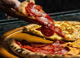 美味好吃的披萨饼图片