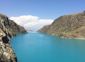 新疆昭苏玉湖唯美风景桌面壁纸