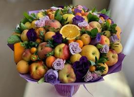 水果花束太浪漫了顺便吃点水果