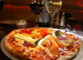 一组香喷喷的披萨图片