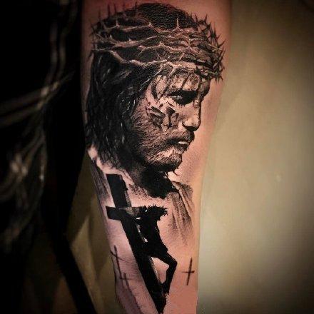 点击大图看下一张:一组欧美写实手臂纹身图案