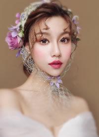网纱搭配鲜花,让新娘仙美灵巧,楚楚动人