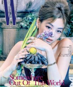 Jennie优雅复古杂志封面写真图片
