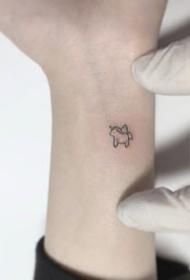 一组超迷你可爱的小纹身图案