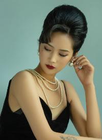 优雅复古的女生摄影发型图片