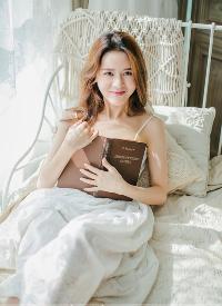 室内白色基调早安少女纯净如水清新写真