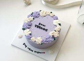 素雅简约款蛋糕造型