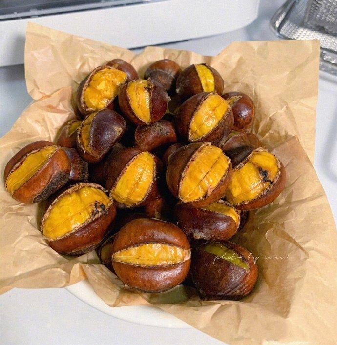 点击大图看下一张:一组甜甜的糖炒栗子图片