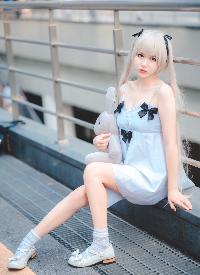 大胸美女萝莉cosplay性感写真图片