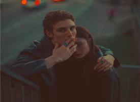 欧美风的情侣热恋图片