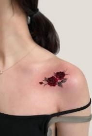 一组漂亮的红色系花卉纹身图片