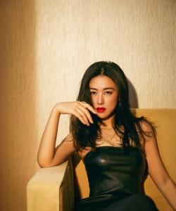 朱珠性感美艳红唇写真图片