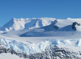 南极洲雪山雪景高清图片