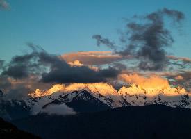云南梅里雪山风景图片