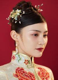 一组中式盘扣新娘发型图片