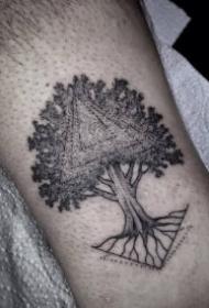 几何风格——树图案纹身作品 