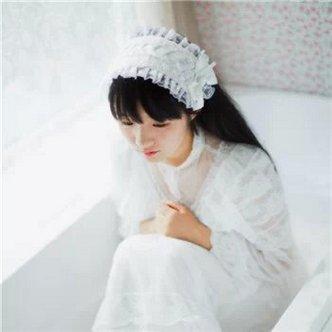 小清新长发微信女生纯白色头像图片