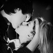 意境唯美的qq欧美情侣接吻头像图片