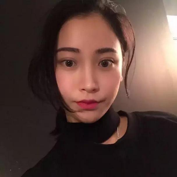 韩国时尚红唇美女微博贴吧头像图片