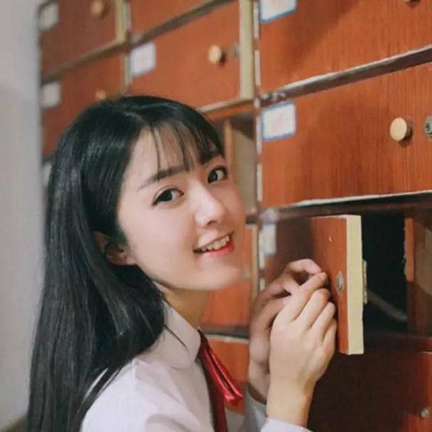 清纯漂亮的学院风女生微博头像大全