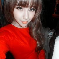 长相甜美的微信女生红色头像图片