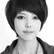 清纯好看的短发女生qq黑白头像大全