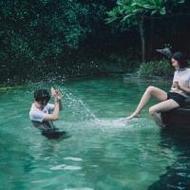 戏水的小清新情侣qq唯美浪漫头像图片