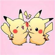 情意綿綿的皮卡丘卡通情侶頭像圖片
