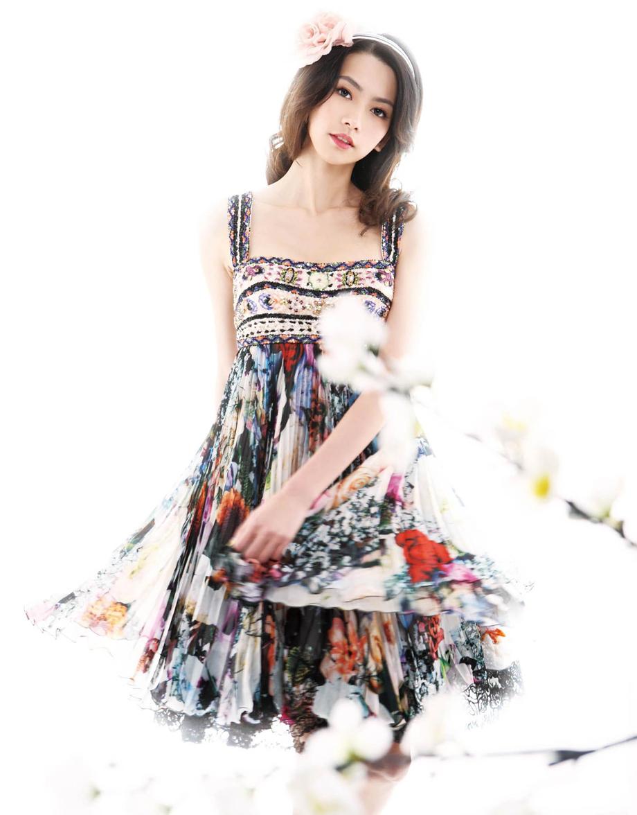 点击大图看下一张:王秋紫梦幻公主写真