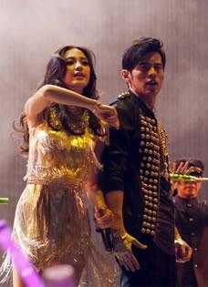 Angelababy助陣周杰倫演唱會 性感貼身熱舞