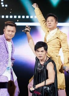 周杰倫香港紅磡演唱會獲草蜢助陣狂野熱舞