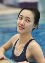 王丽坤参加星跳水立方