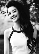 王丽坤黑白时尚写真