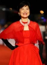 林青霞驚艷亮相金馬獎紅毯 一襲紅裙嫵媚嬌俏