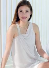 乐基儿最新白裙广告写真 皮肤白皙