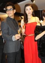 范玮琪周丽淇等亮相上海助阵某店开业活动