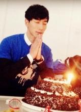 张亮32岁庆生 愿平安喜乐