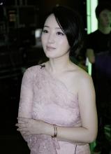 杨钰莹优雅现身 加盟星力量刷新收视