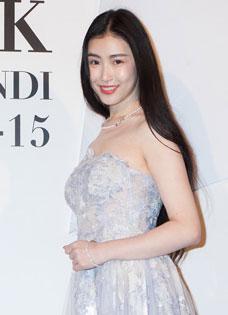 張辛苑跨界出戰上海時裝周 《女神的秘密》走秀驚艷