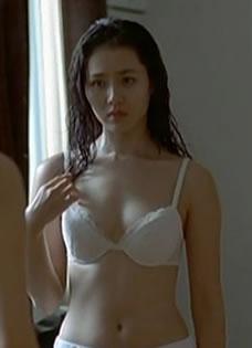 孙艺珍《外出》豪情床戏性感剧照