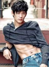 韩国最新完美腹肌的男明星排行榜Top10
