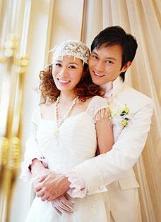 张智霖佘诗曼婚纱写真 唯美浪漫拍广告显温馨