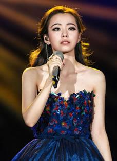 《我是歌手3》张靓颖美服盘点 女神百变造型