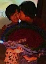谢娜33岁生日派对照曝光 张杰现场激吻老婆