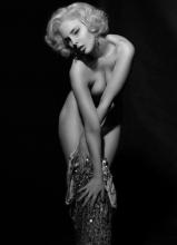 艾玛·沃特森模仿梦露经典外型
