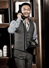 魅力大叔姜武时尚居家大片 展熟男绅士品格